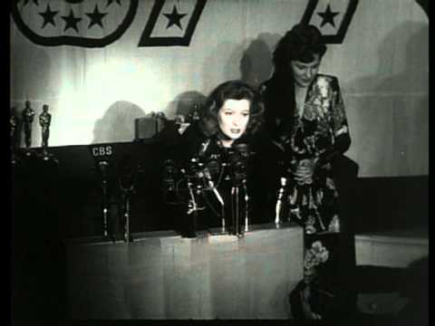 Greer Garson recieves the Oscar for Best-Actress at it's 15th Ceremony 1942.mpg