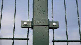 Монтаж модульного секционного забора Grand Line (Гранд Лайн)(Ну вот и решился установить забор от компании Grand Line. Долго сомневался, но решился. Выбор стоял между брендам..., 2016-10-11T11:18:20.000Z)