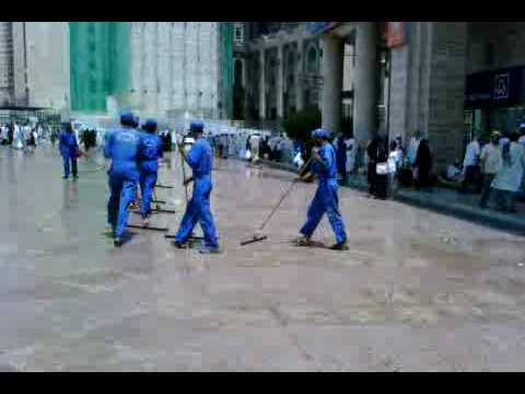 Masjidil Haram Cleaning Service Team Travel Video
