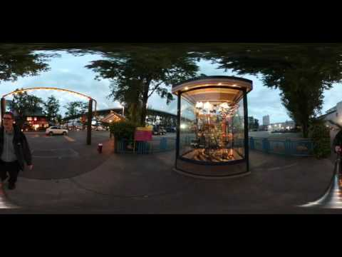 Walking around Granville Island in Vancouver at twilight with Samsung Gear 360 in 4k - selfie stick