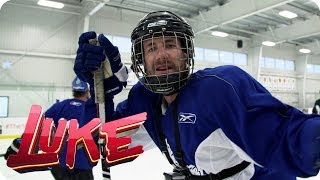Luke versagt beim Eishockey - LUKE! Die Woche und ich | SAT.1