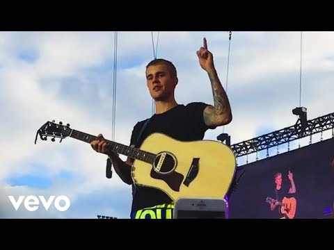 Justin Bieber- Cold Water, Fast Car & Love Yourself (Acoustic) (Live Purpose Tour Denmark)