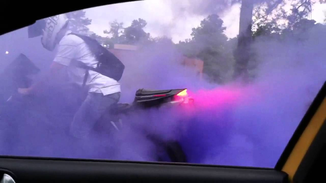 Cbr600rr Burnout Colored Smoke Tire Youtube