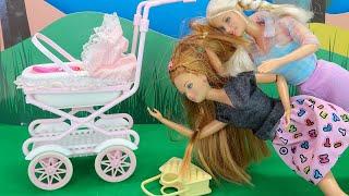 Барби Не Поделили Коляску! Мультики для детей Куклы барби Игрушки для девочек IkuklaTV