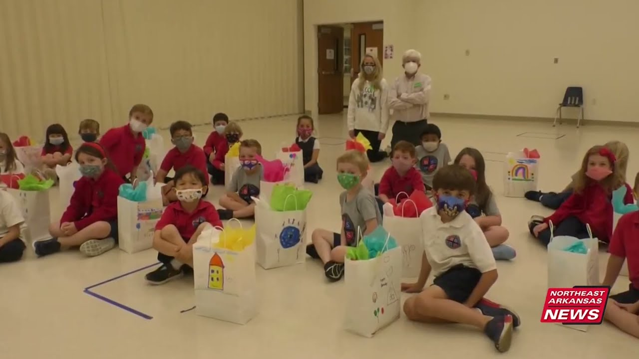 Blessed Sacrament students donate 'birthday bags' to CASA