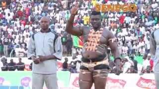 Senego TV: Best of Combat Balla Gaye 2-Eumeu Sène dans une arène en ébullition, Regardez: