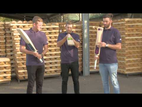 Ashes Players Picking Up Their Cricket Bats | GM Cricket