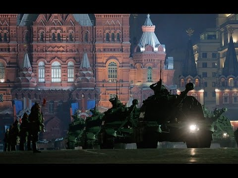 Tanks, armored vehicles roll out on Red Square in Victory Day Parade rehearsal