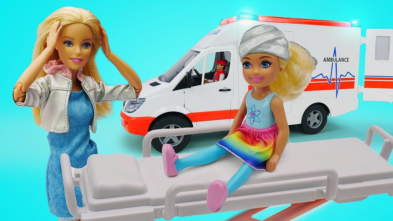 Evi e Chelsea estão passando mal e precisam de socorro! Novelas com bonecas para meninas