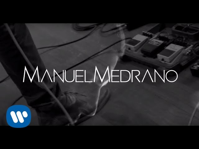 Manuel Medrano - Afuera del Planeta (Lyric Video)