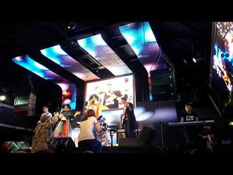 Команда Нашго Радио и Рок школа Акцент (песня Би-2)