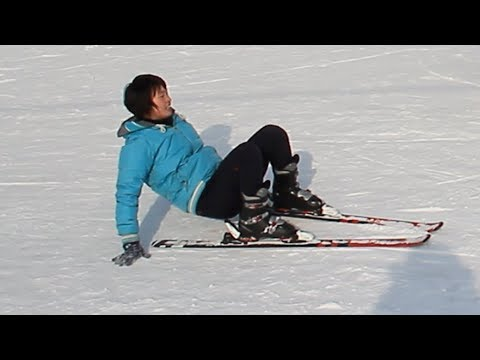 Young north korean girls' skiing skills (training session).