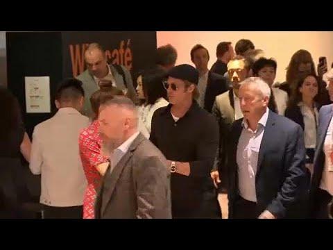 شاهد: هكذا استقبل الجمهور عملاقة السينما في مهرجان كان في فرنسا …  - 21:53-2019 / 5 / 22