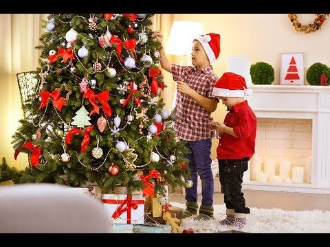 CHRISTMAS TREE DECORATING IDEAS RED AND GOLD - YouTube