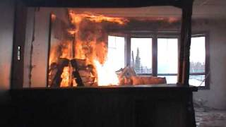 First six minutes of a trailer home fire