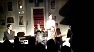 """Mestaniyak"" (de Aziza Jalal) interprété par Houda DOUDAR au CCAPL / sam. 11 oct. 2014"