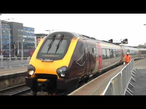 Trains at: Bristol Temple Meads, GWML, 5/10/15