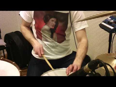 Siba Folk Big Band in studio, Drum Cam