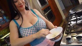 Download Video Eps 10 Resep Koki - Chef Cewek Cantik 💗 Masakan Dengan Udang Madu Kacang Maknyus MP3 3GP MP4