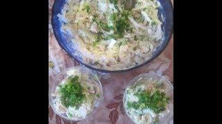 Салат из кальмаров, крабового мяса и свежего огурчика