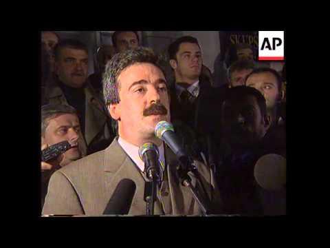 MONTENEGRO:YUGOSLAV GOVERNMENT INTERVENES IN POLITICAL CRISIS