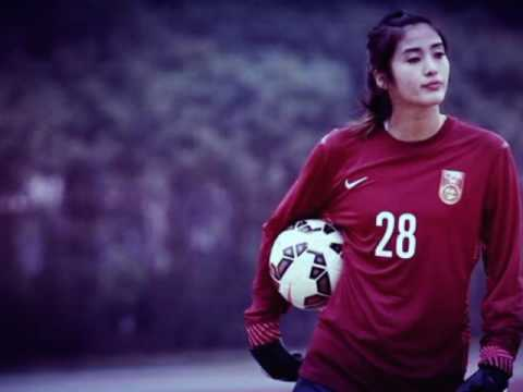 zhao lina the most cute and pretty goal keeper ever..