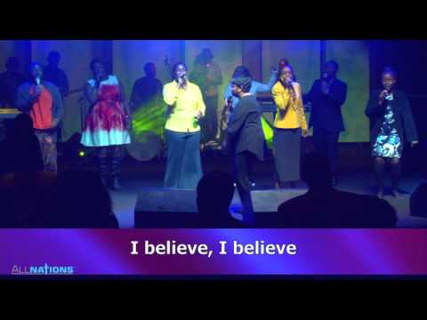 MY REDEEMER LIVES-PRAISE AND WORSHIP