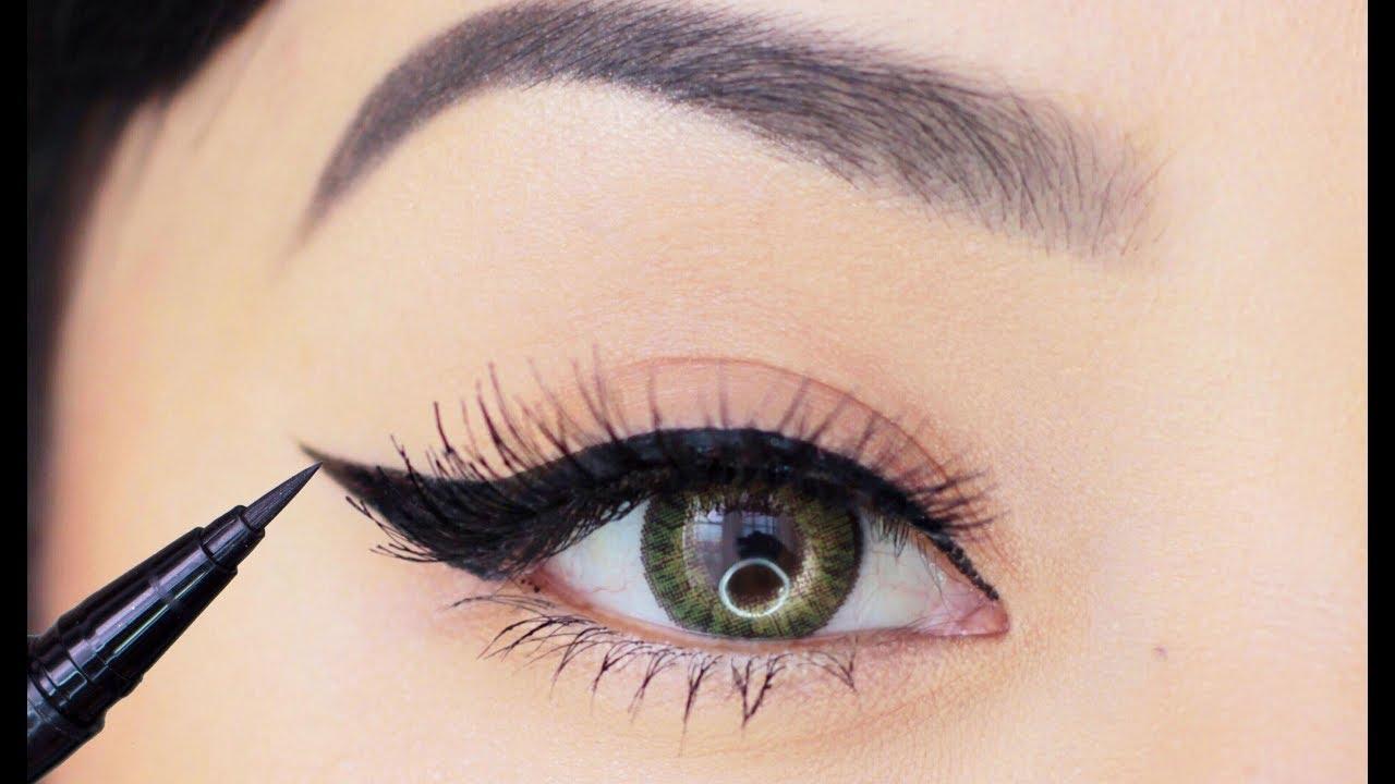 Eyeliner Makeup Tutorial for Beginners | How to Apply Liquid Eyeliner in 4 Easy Steps!