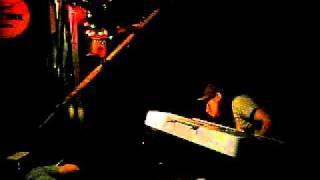 心斎橋B-Tripで行われた岡村靖幸ナイト。 生演奏のカバーライブNo.2です。