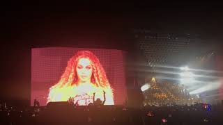 Gambar cover Beyonce 2018 Coachella performance (Crazy in Love)