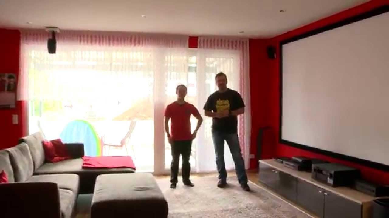 das rote heimkinowohnzimmer mit 4k beamer 9 1 audiosystem und maskierbarer leinwand youtube. Black Bedroom Furniture Sets. Home Design Ideas