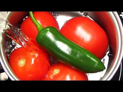 Tomato and Jalapeno Salsa | Salsa de Tomate con Jalapeño