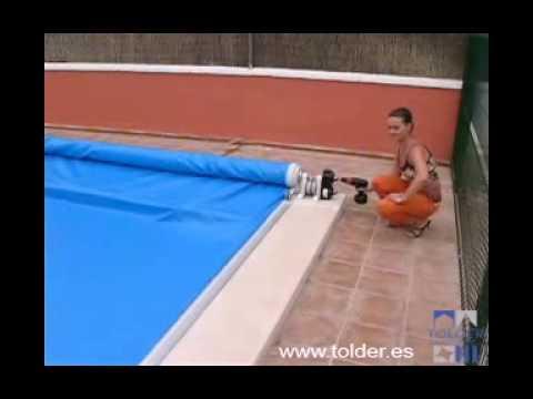 Cubiertas o cobertores de piscina automaticas youtube for Lonas para tapar piscinas