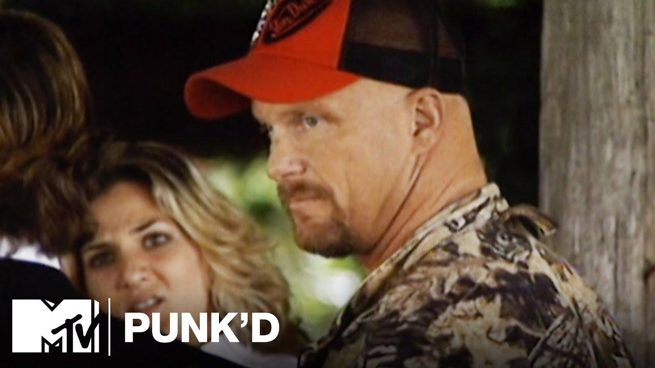 Download Ashton Kutcher vs. Stone Cold Steve Austin, Ashlee Simpson & D12   Punk'd