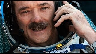 Chris Hadfield reacts to water discovery on Mars