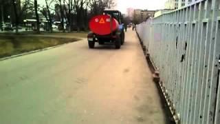 Трактора  в Москве. Бессмысленно и беспощадно.(, 2016-04-12T12:07:31.000Z)