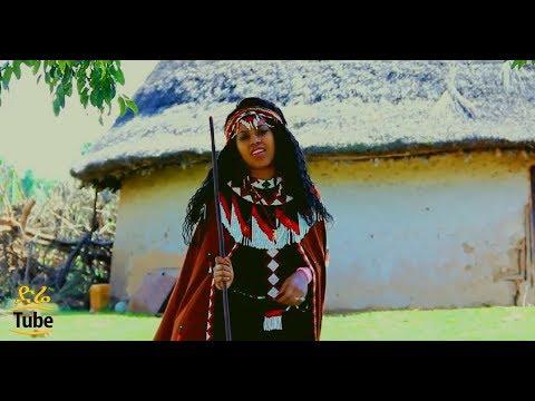 Faayoo Mootii – Geerare Didaan New Oromoo Music New Oromoo Music 2017 Official Video