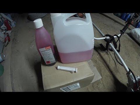 Приготовление топливной смеси для двухтактных двигателей.