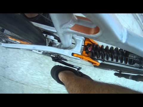 FOX VAN RC in action - Bike shock cam- City stairs (Canyon Torque FRX 7.0 Rockzone)