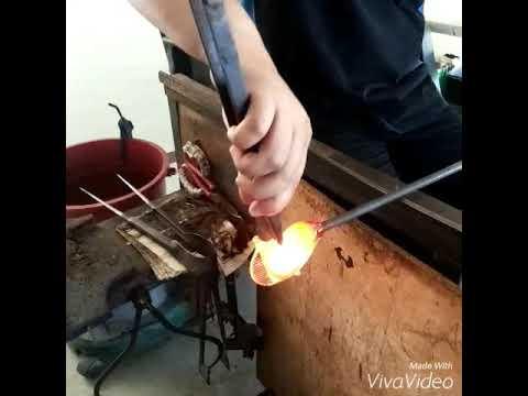 Mahkota Crystal Art Glass, Brunei - Handcrafting a Fish
