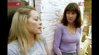 Repeat youtube video Sarah Beeny's lovely chestiness