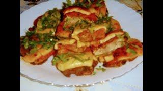 Запеченное куриное филе с помидорами и сыром в духовке