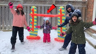 Sally Play Inflatable Limbo Challenge!! kids fun family game in Snow
