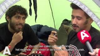 Met je tentje in de stromende regen op camping Zeeburg: 'Beetje roken en muziek maken'