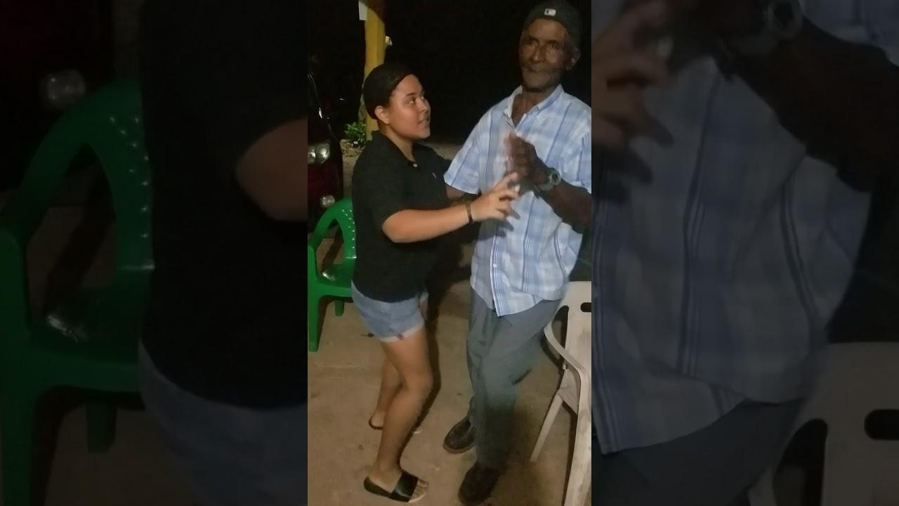 Nuestro tío Paco bailando