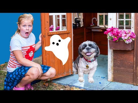 ASSISTANT Wiggles Hides in Spooky Town with PJ Masks Scavenger Hunt Toys