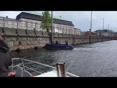 Chinese camera team crashing boat into wall in Copenhagen