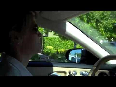 Nikki & Jill  Impromptu Car Dancing to Lionel Ritchie