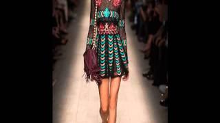 Шикарные вечерние платья(http://youtu.be/0z-H-7oLp7w -Модные платья 2014 года. Модные платья 2014...................................................................................................., 2014-01-10T18:11:45.000Z)
