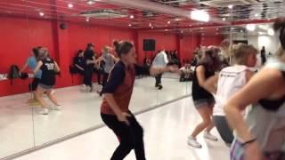 Детский хип хоп, девочки танцуют хип хоп видео(Детский хип хоп, девочки танцуют хип хоп видео. Сегодня одним из особо популярных молодежных стилей можно..., 2015-03-16T07:19:45.000Z)